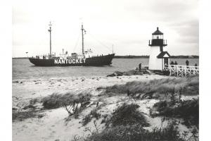 Nantucket Lightship passing Brant Point Light