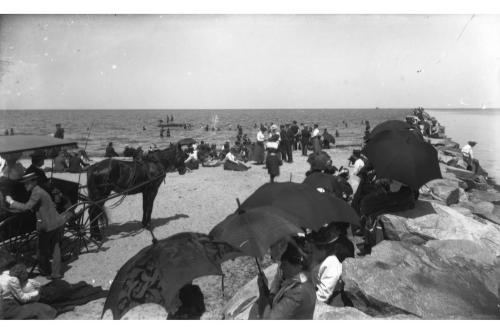 Jetties beach, circa 1900.