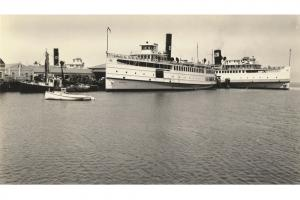 Steamships at Steamboat Wharf